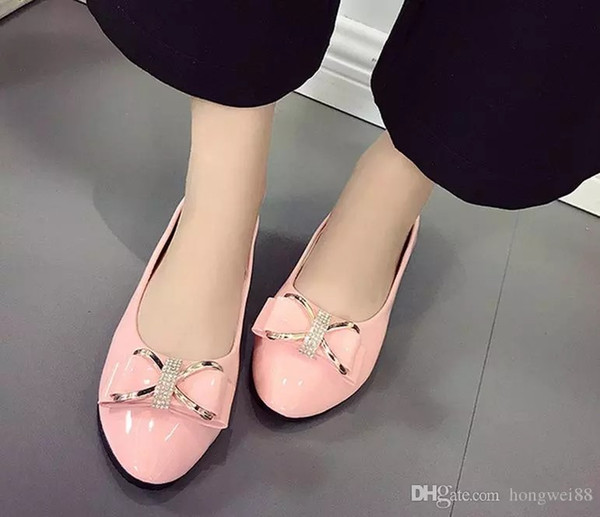 The new spring 2017 han edition of flat low help single patent leather shoes lighter set foot joker comfortable work for women's shoes