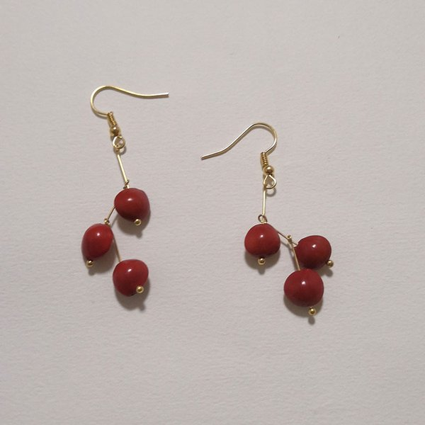 Chinese style red bean seed Earrings Handmade earrings that can be worn everyday Can be used as a Christmas gift