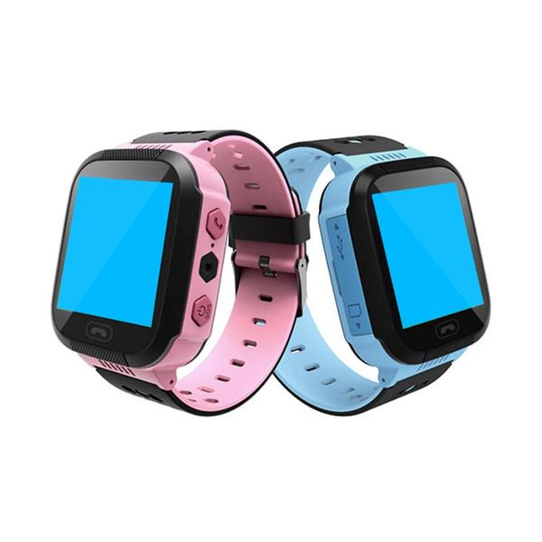 Alta Qualidade Crianças Crianças Bonito Anti-lost Relógio SOS Chamada Dispositivo de Localização Rastreador Relógio de Pulso Inteligente Para Android Rosa / Azul cor