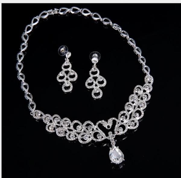 Korean Bridal Necklace, Korean diamond, curvy, beautiful Bridal Necklace, three piece set.