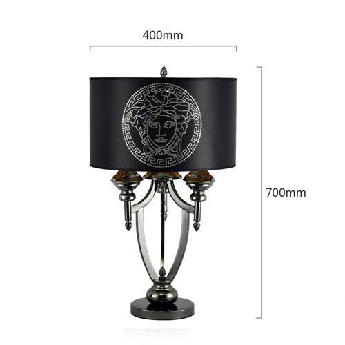 검은 책상 램프