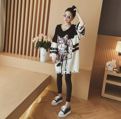 Spring 2018 New loose-sleeved long-sleeved sequined knitted dress with long cap and cartoon dress free shipping