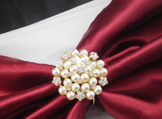 Livraison gratuite fleurs Perles d'imitation or argent Anneaux pour serviettes de table pour dîner de mariage, douches, vacances, accessoires de décoration de table