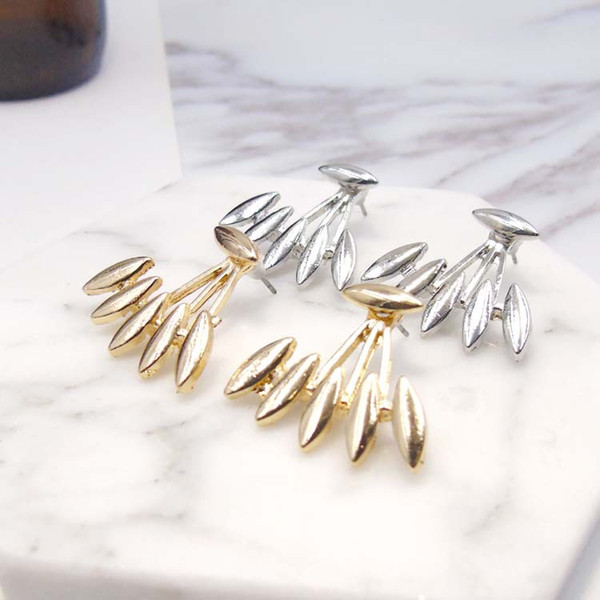Euro-American Jewelry With Simple Personality and Fashionable Eyedrop-type Personal Design With Smooth, Pointed Horse Eye Earrings