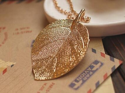 Hot style European and American fashion accessories choke pepper gold leaf necklace alloy jewelry jewelry classic fashion delicate
