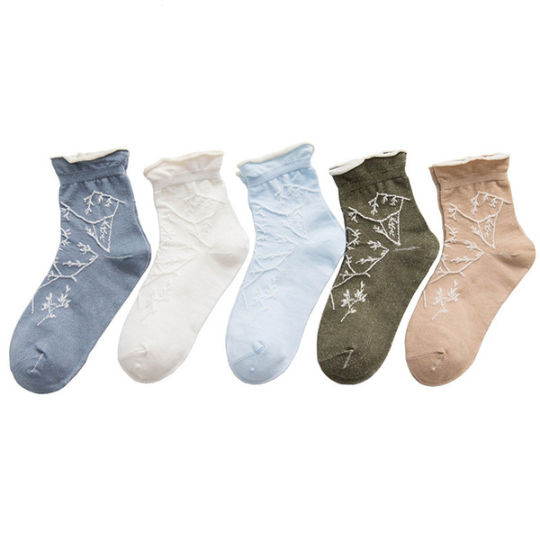 2018 New Women Cotton Socks Flower Pattern Socks Causal Warm Girls Comfortable Soft Female Short 1pair=2pcs Hosier