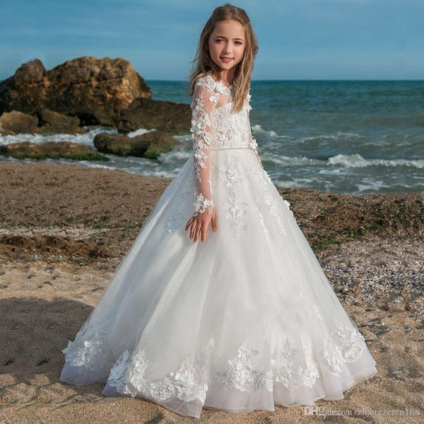New Lace Long Sleeves Flower Girls Dresses Applique Ball Gowns with Pearls Sash Holy First Communion Princess Designer Kids Dresses