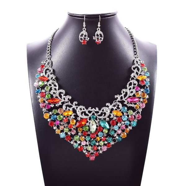Wholesale 3 Colors Luxury Crystal Pendants Jewelry Set Choker Earrings Studs Wedding Jewelry Sets Mothers Day Gifts Wedding Decorations