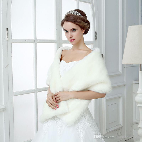 top popular Ivory Winter Wedding Bridal Faux Fur Wraps Warm shawls Outerwear Women Jackets For Prom Evening Party High Quality Faux Fur Wedding Wraps 2021