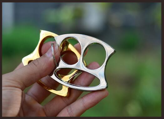 2 Fingers Buckle Knuckles Wholesale Smile Face Knuckles Self-defense Tools Keychain Trim