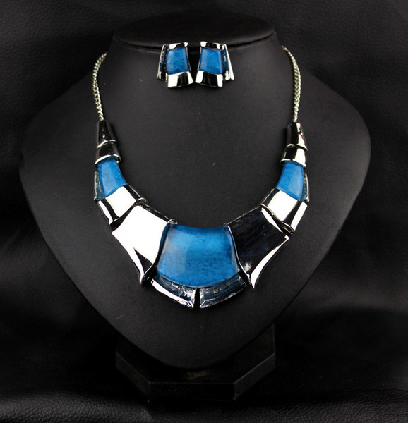 new Fine Jewelry sets New Fashion Filled Rhinestone Crystal Acrylic Geometric Necklace Earring Jewellery Set For Women gift S003
