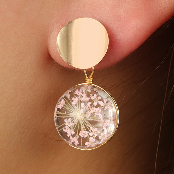 Bola de cristal Gypsophila Pétalos secos Pendientes pendientes redondos lindos de la aleación de lentejuelas para las niñas chapado en oro Cuelga Accesorios de la joyería al por mayor