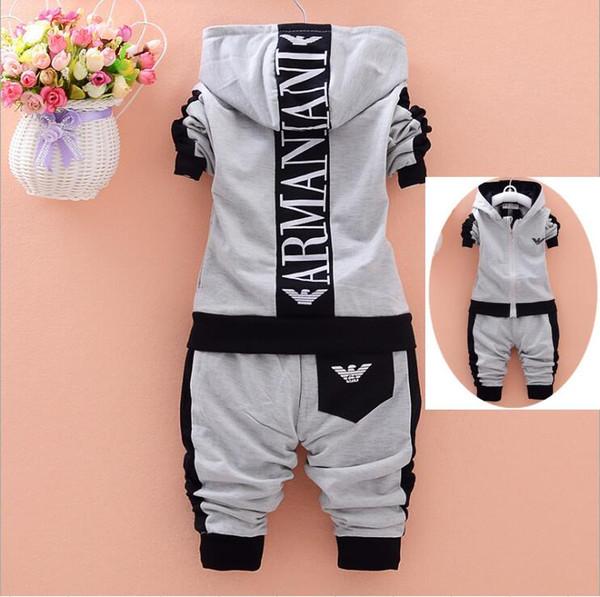 Conjunto de ropa para niños de 2 piezas Otoño 2018 Nuevo algodón de manga larga con cremallera Ropa de bebé para niños Abrigo con capucha Traje deportivo