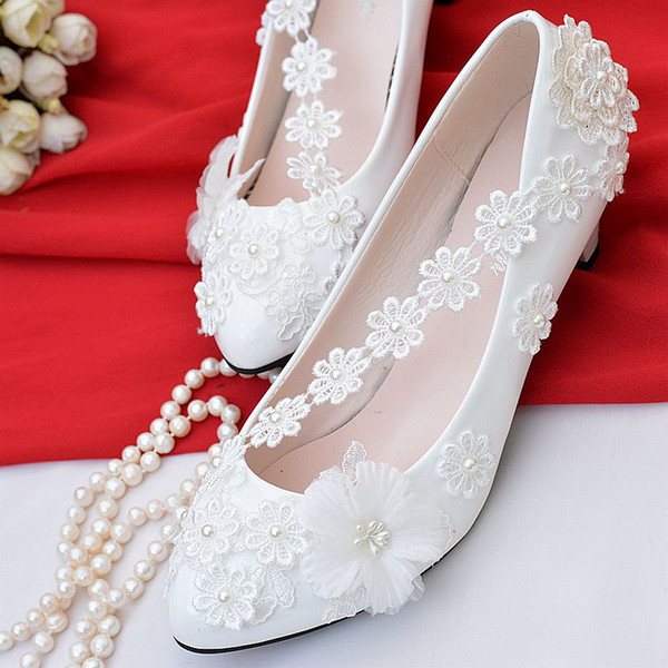 Chic White Shoes Woman Pumps Low Heel Big Size Slip On Wedding Shoes Slip On Bridal Shoes Lace Appliques Beads Party Cheap