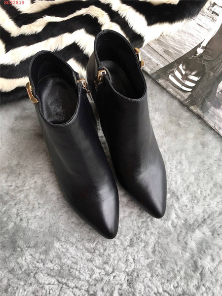 2018 Spring Fall Black Patent Leather Wedding Bridal Shoes For Bride Luxury Pointed Toe Letters High Heels Pumps Ladies Boots Designer