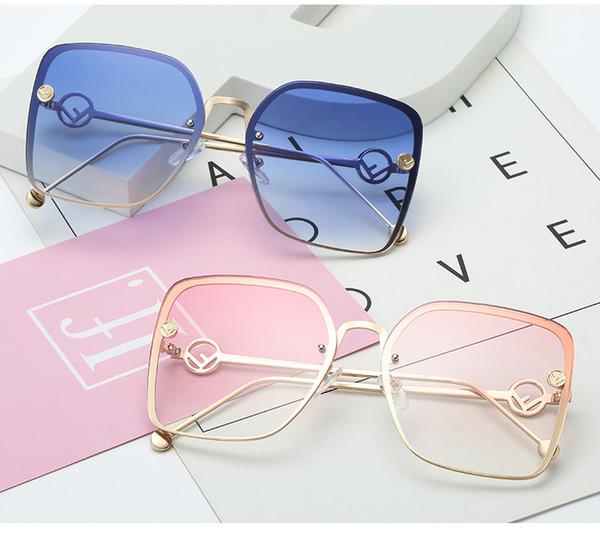 New Elegant Ladies Square Óculos De Sol Das Mulheres Designer De Marca Itália F ashion Squae Óculos de Sol Feminino Gradiente Eyewear Shades