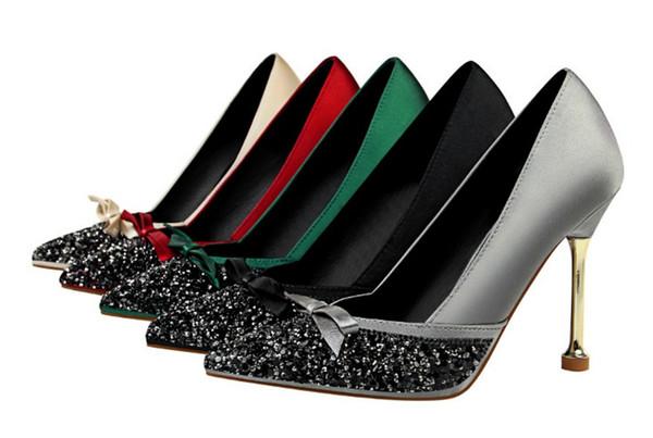 Tasarımcı yüksek topuklu elbise ayakkabı kadın pompaları glitter sequins stiletto topuklu sivri burun parti elbise ayakkabı tasarımcısı papyon bayan topuklu