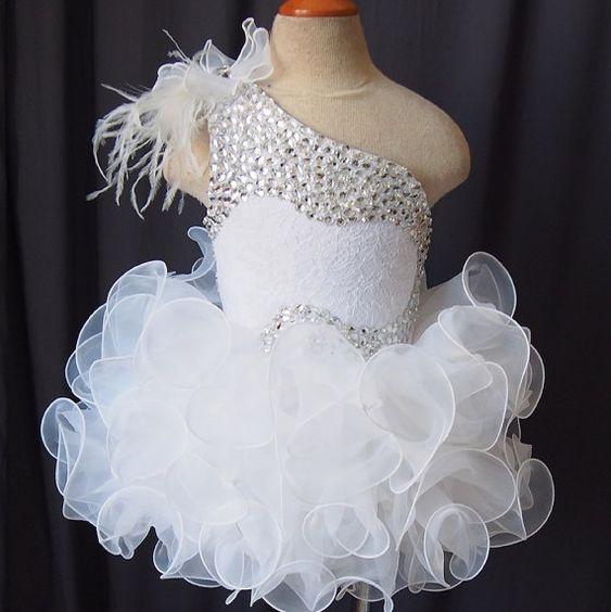 Sparkling Girls Pageant Dresses 2019 Toddler Ball Gowns Unique Designer One Shoulder Glitz Flower Girls Dresses For Wedding Size 4 6 8 10