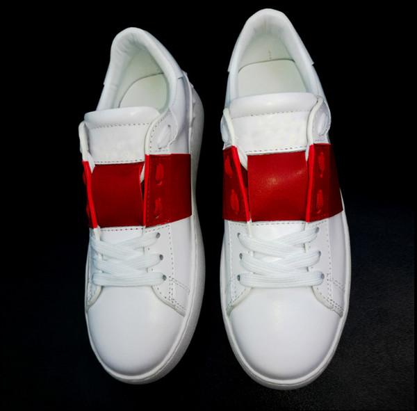 2019 Metal Spike Gentlemen Calzado deportivo Cómodo vestido informal Zapatillas de cuero Zapatos Personalidad Hombre Sendero para caminar Caminar 35-45
