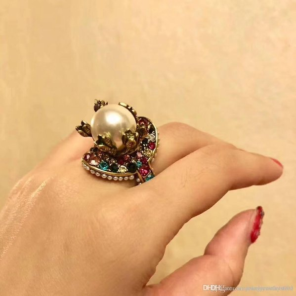 2018 Vintage brass luxurious ring with nature colorful pearl decorate and stamp logo charm ring jewelry christmas day thanksgiving valentin