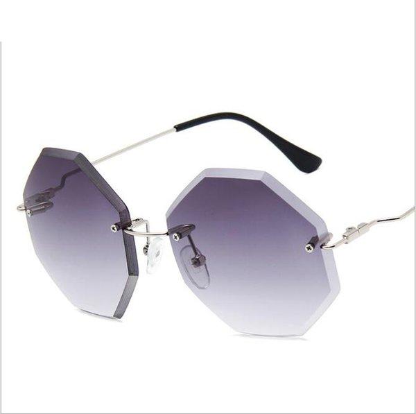 Hot Fashion Luxury Sunglasses Diseñador de la marca Sunglasses Rimless Square 8 lentes de diamante Gafas de sol de gran tamaño atractivas Mujeres Vintage con caja