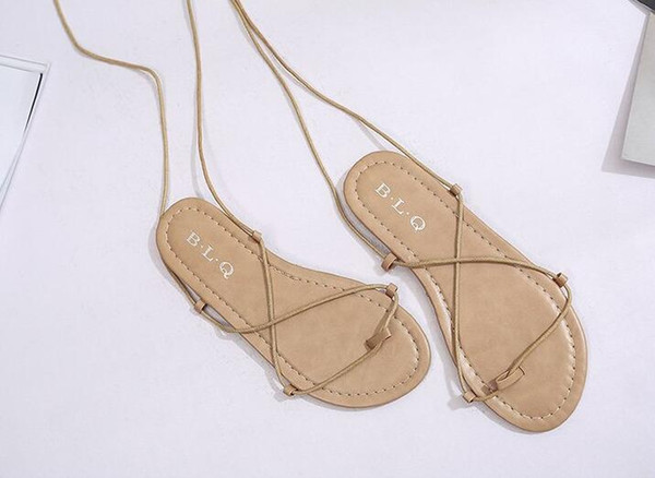 L'Europe et les États-Unis les nouvelles chaussures à bout plat crochets de chaussures croisées sangle plate avec les sandales romaines sandales femmes, code de taille de chaussures de plage