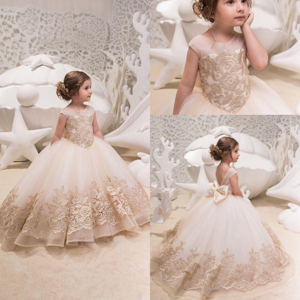 2019 Cute Tulle A Line Flower Girl's Dresses Lace Applique Ruched Bow Sash Low Back Floor Length Girl's Birthday Party Pageant Dresses