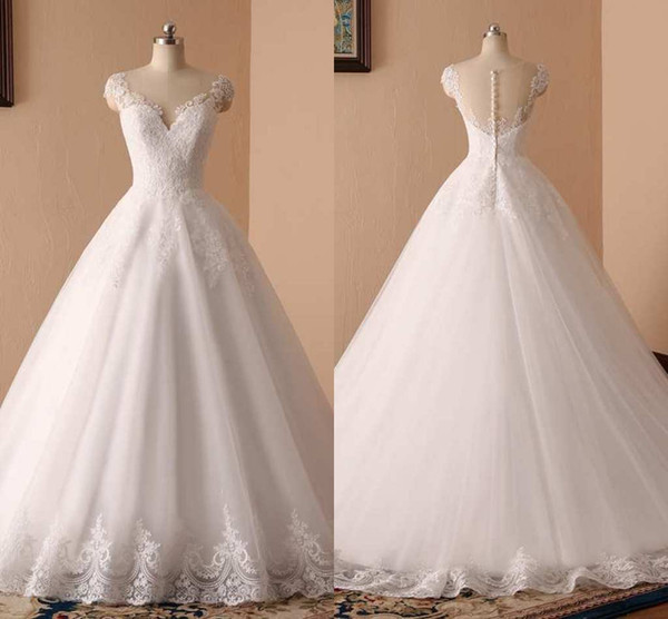 Deep V-Neck Wedding Dresses Lace Appliques A-Line Sleeveless Illusion Back With Button Bridal Dresses Charming Wedding Gowns