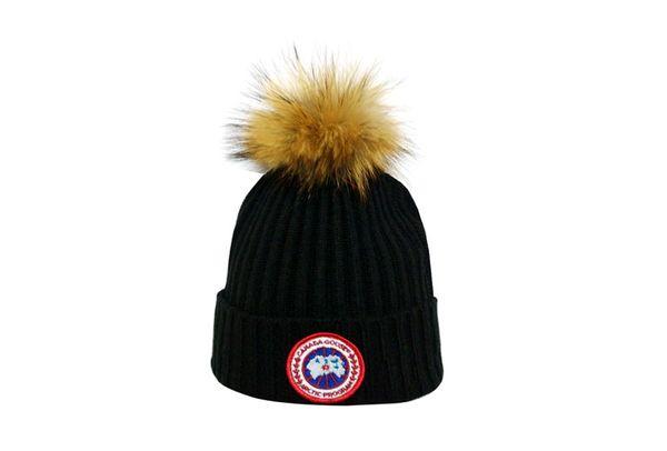 Kadınlar için yeni Kış Şapka Erkekler Ponpon Kap pom pom Beanie bayan erkek Sıcak Örme Kürk Kanada beanies Erkek Kız Bobble şapkalar bayanlar ...