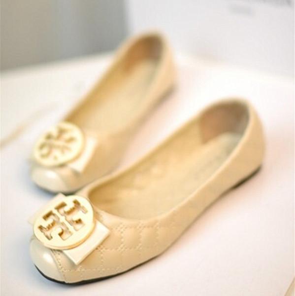 Designer Mocassins Chaussures Chaussures Femmes 2018 Automne Cuir Boucle En Métal De Luxe Chaussures De Ballet Slide