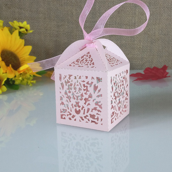 50pcs openwork engraved lace flower design candy box Christmas gift box for guest wedding gift party decoration 5ZT24