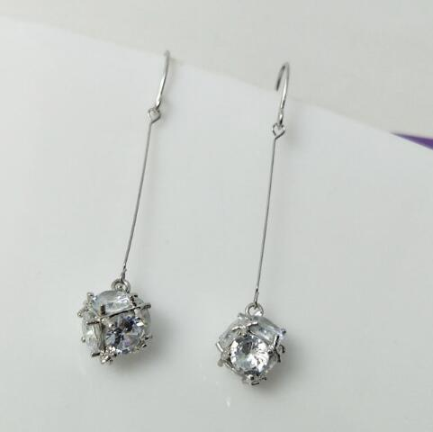 new European and American fashion exquisite jewelry lady zircon long block and cube shiny earrings fashion designer earrings
