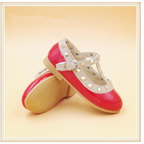 Bahar Tarzı Çocuk Prenses Düz Tek Ayakkabı Güzel Perçinler Dans Prenses Çocuklar Deri Ayakkabı Moda Elmas Kızlar Ayakkabı