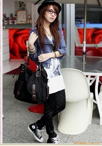 Da _ Long Multi-pocket Canvas Bags Fashion Bag Single Shoulder Hand-held Diagonal Canvas Bag Color White, Red, Black, Green