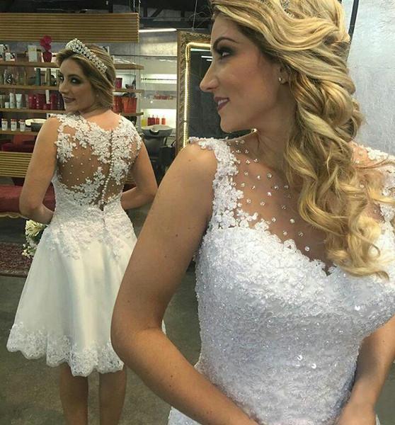 Vestidos De Noiva Romantico Puro Pescoço Beading Apliques De Renda Curto Vestidos De Casamento Sexy Coberto Botão De Volta Uma Linha De Vestidos De