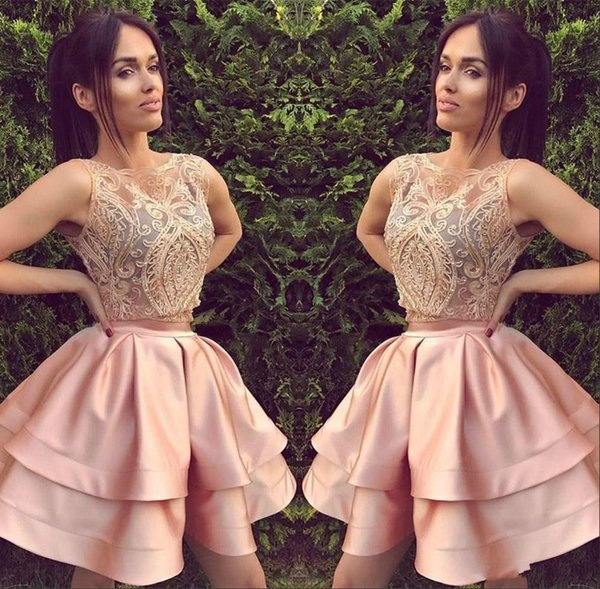 Lovely Lace Homecoming Dresses for Juniors Tiers Satin Sheer Pink Sleeveless Short Prom Dress Party Ball Gowns Graduation Club Wear Cheap