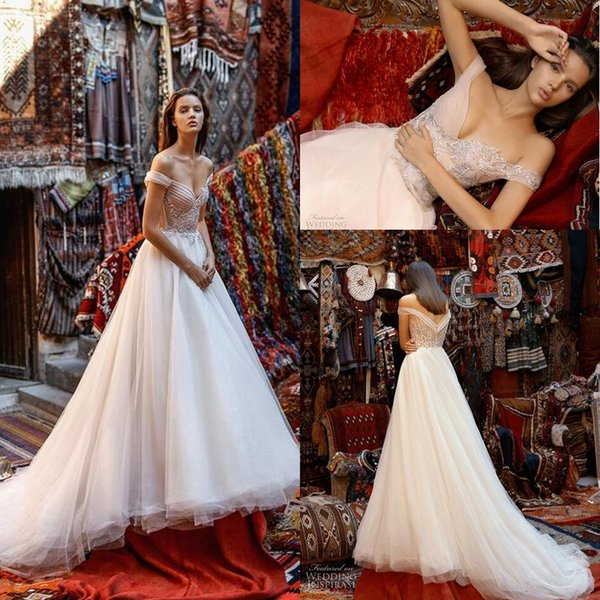 2019 Liz Martinez Beach Wedding Dresses Vintage Cathedral Train Lace Floral Detail Fairy Outdoor Country Boho Bridal Wedding Gown