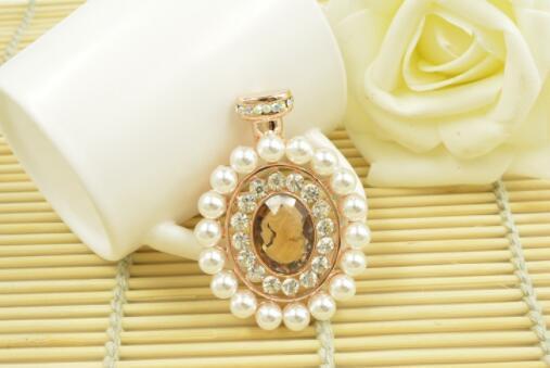 Novo cristal de diamante pérola senhoras broche de noiva vestido de noiva acessórios de moda festa de pin