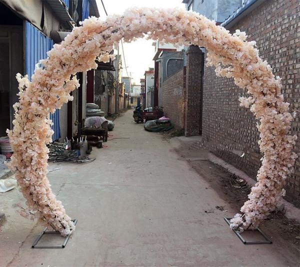 O forme stand avec fleur