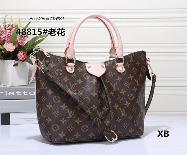 2018 Fashion Totes Shoulder Bags Brand Designer Handbag Hot Sale Women  Casual Canvas Shoulder Bag Chains 449b587835a5c
