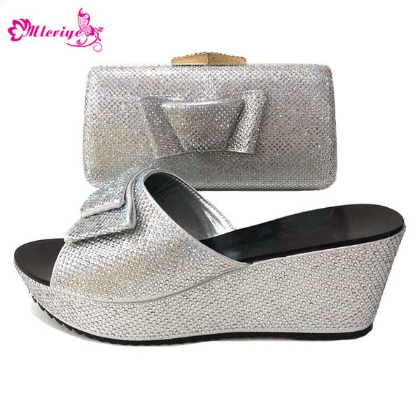 993Latest Design Women Italian African Party Pumps Shoes and Bag Set Decorated with Rhinestone African Women Wedding Shoes Bags Set
