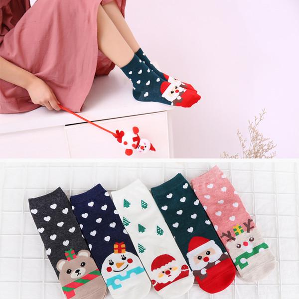 2018 Yeni Tasarım Noel Noel Baba Çorap Kadınlar Pamuk Kısa Elk Kış Çorap Karikatür Geyik Kar Adam Sevimli Yeni Yıl Hediye