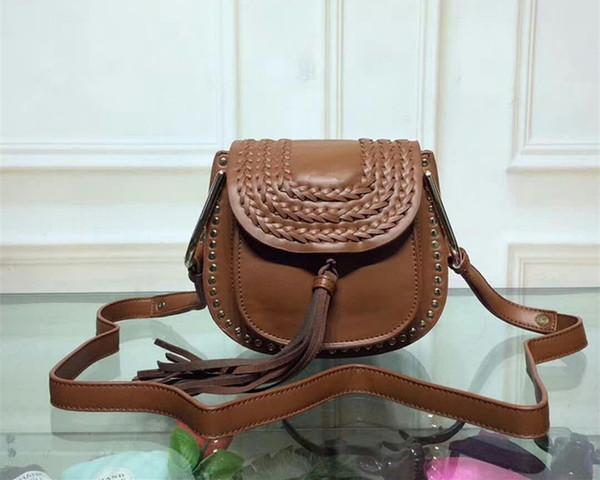 2018 più recenti 18 cm rivetto in pelle di vacchetta borse da donna in vera pelle nappa marca designer borsa a tracolla signora uncinetto piccola borsa moda