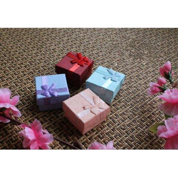 Forme la caja de joyería cuadrada de la forma 4x4cm de color rojo Widget caja de collar pendientes de caja 013