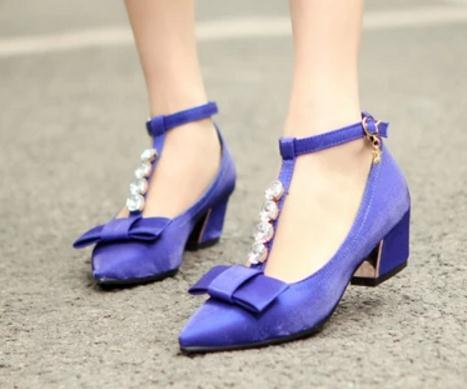 Free send Hot The new style of spring pointed end Coarse heel Shallow mouth single shoes water drill bowknot silk goods Middle heel women'