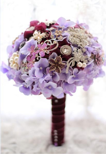 Broche bricolage de mariée de bijoux en argent pointillé rouge violette haut de gamme tenant un bouquet de fleurs en cristal
