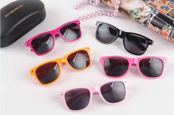 100pcs Moda UV 400 occhiali da sole donna e uomo adulto Occhiali da sole retrò Retro non-mainstream Unisex Vintage Occhiali da sole retrò 15 colori via DHL