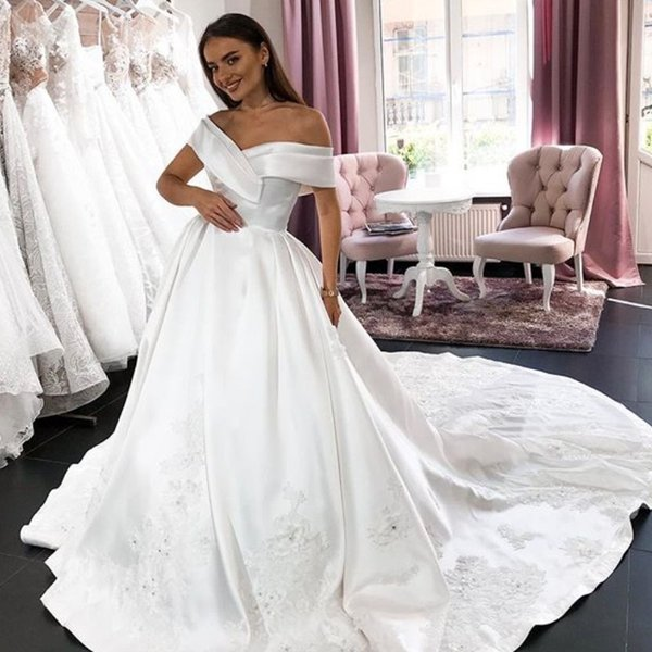 Discount Elegant A Line Long Wedding Dresses Simple Off Shoulder Beads Lace Applique Sweep Train Bridal Gowns Cheap Custom Made Wedding Gowns Wedding