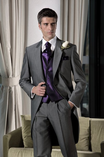 Latest Design Dark Grey Groom Tuxedos Peaked Lapel Suit Wedding Groomsman Men Wedding Suits Bridegroom( jacket+Pants+vest+tie)