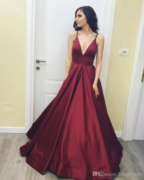 Simple Taffeta Sexy Burgundy Prom Dresses Spaghetti Straps Deep V Neck Ball Gown Party Gown Backless Zip Formal Evening Dress Party Wear
